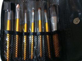 Набор для макияжа, 7 предметов.